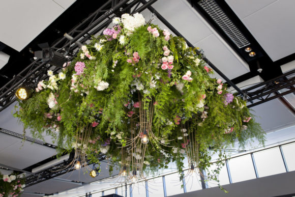 Modern wedding styling by One Day Your Way at Luminare (15)